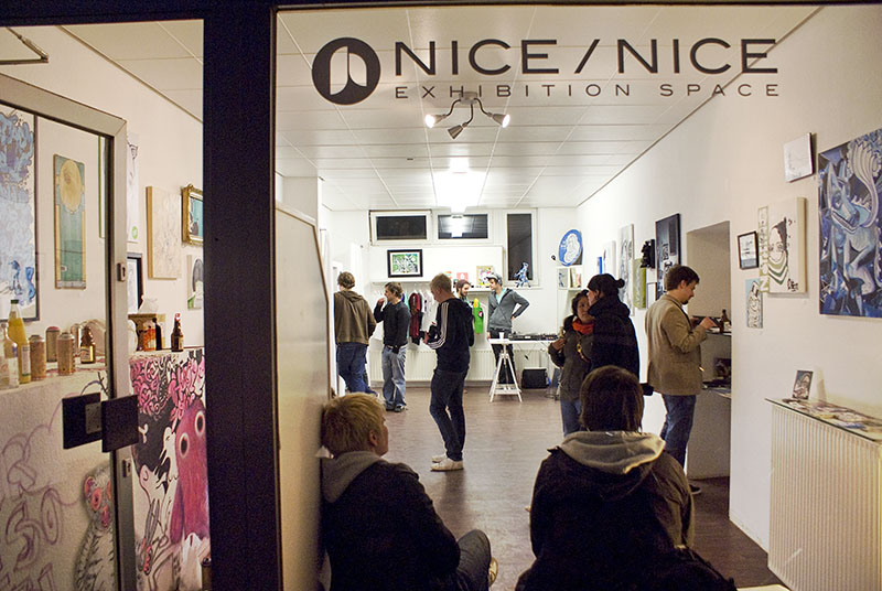 44flavours — Threesome – Nice/Nice Gallery